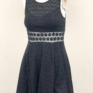 Free People black sleeveless lace dress size 4
